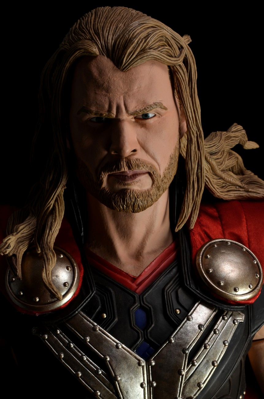 Discontinued The Avengers 1 4 Scale Action Figure Dark World Thor