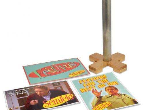 Seinfeld – 9″ Festivus Pole and Greeting Card Set