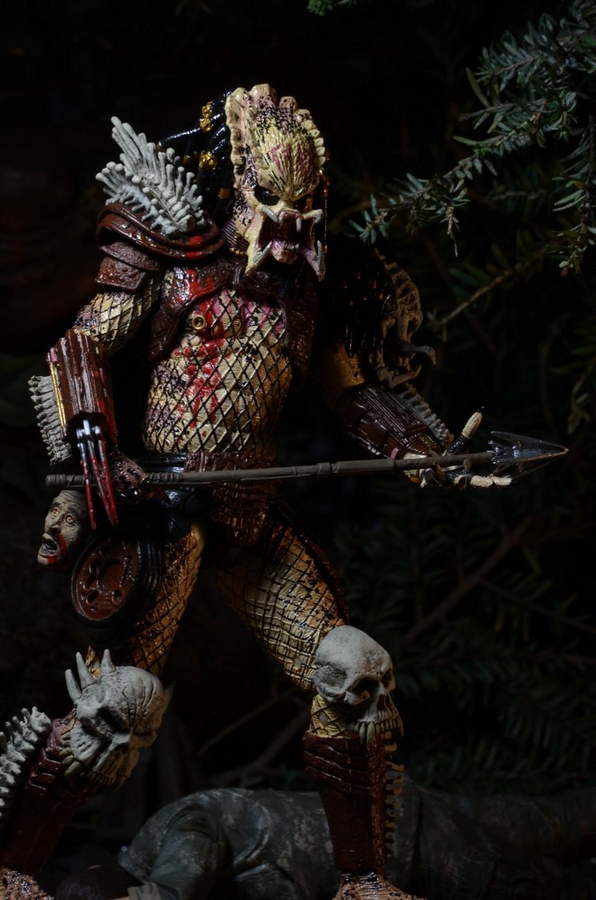 closer look predator bad blood deluxe 7� scale action figure