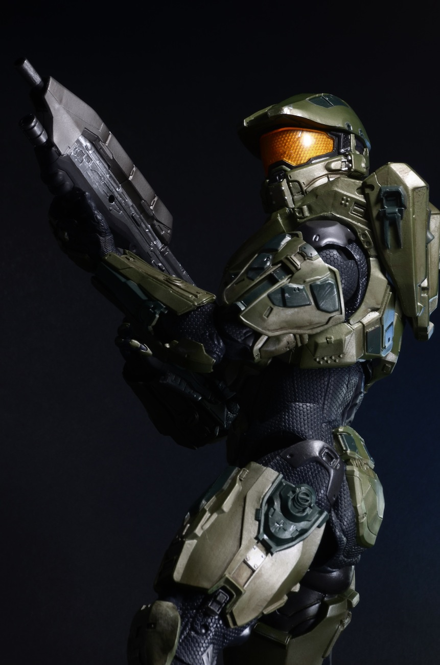 Closer Look: Halo 18″ Master Chief Action Figure ...