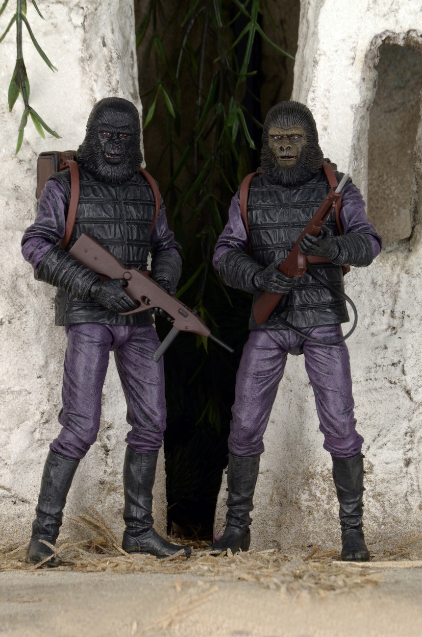 Toys R Us Exclusive Planet Of The Apes Gorilla Soldier 2