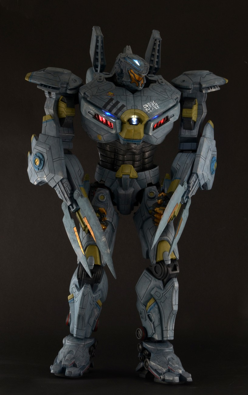 Closer Look Pacific Rim 18 Striker Eureka Action Figure