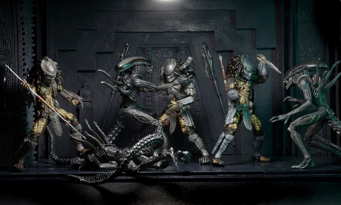 Closer Look: Predator Series 15 Action Figures