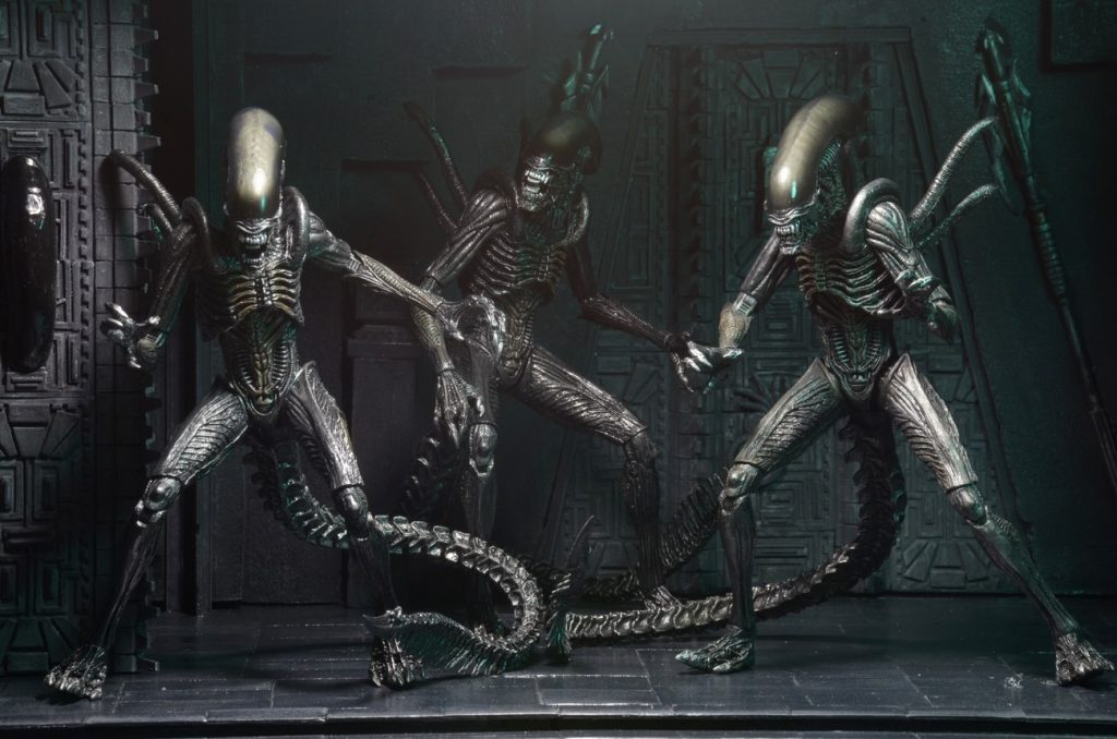 Closer Look: Aliens 7″ Scale Action Figures – Series 7