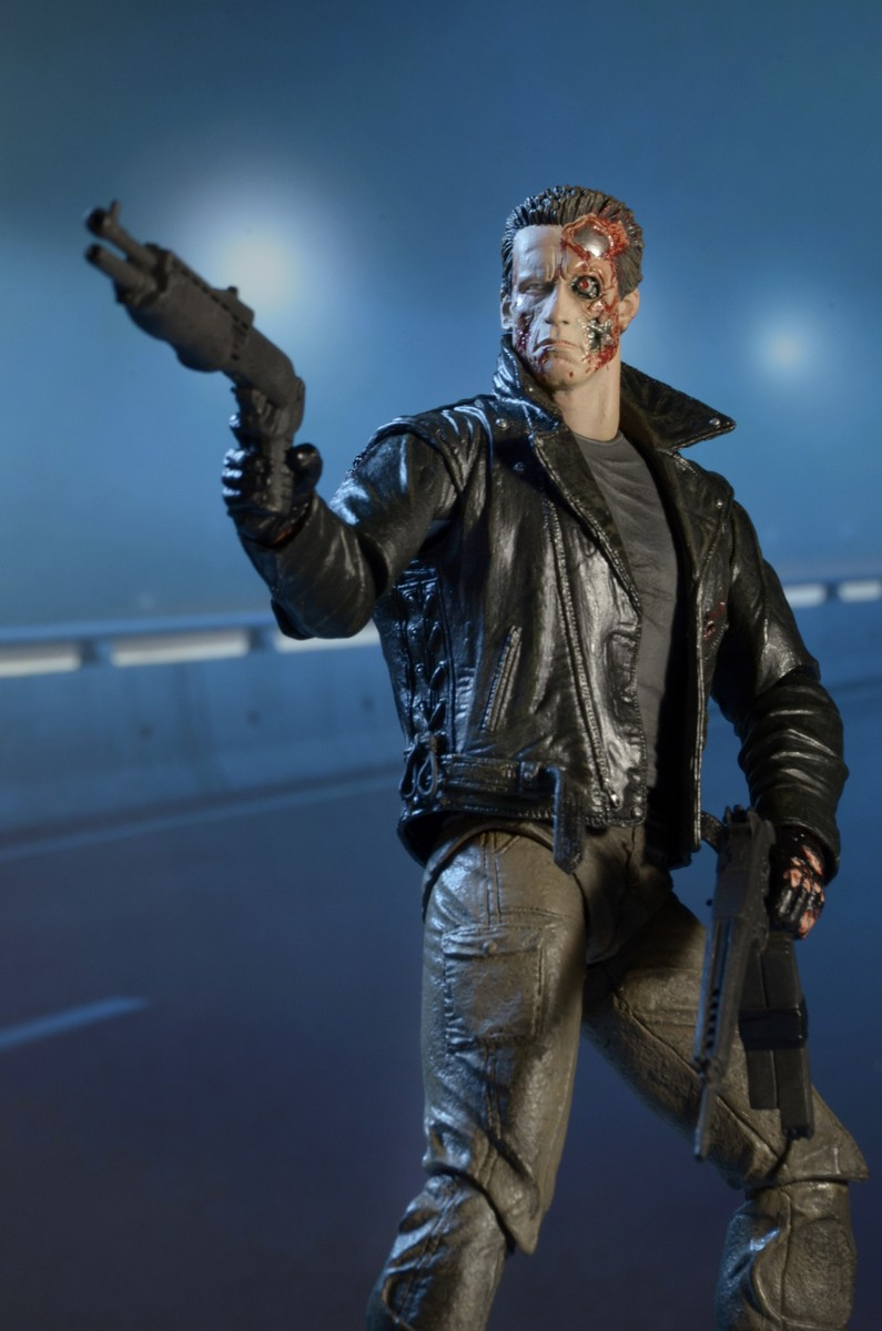 """NECA T-800 Terminator Police Station Assault 7/"""" Ultimate Action Figure Official"""