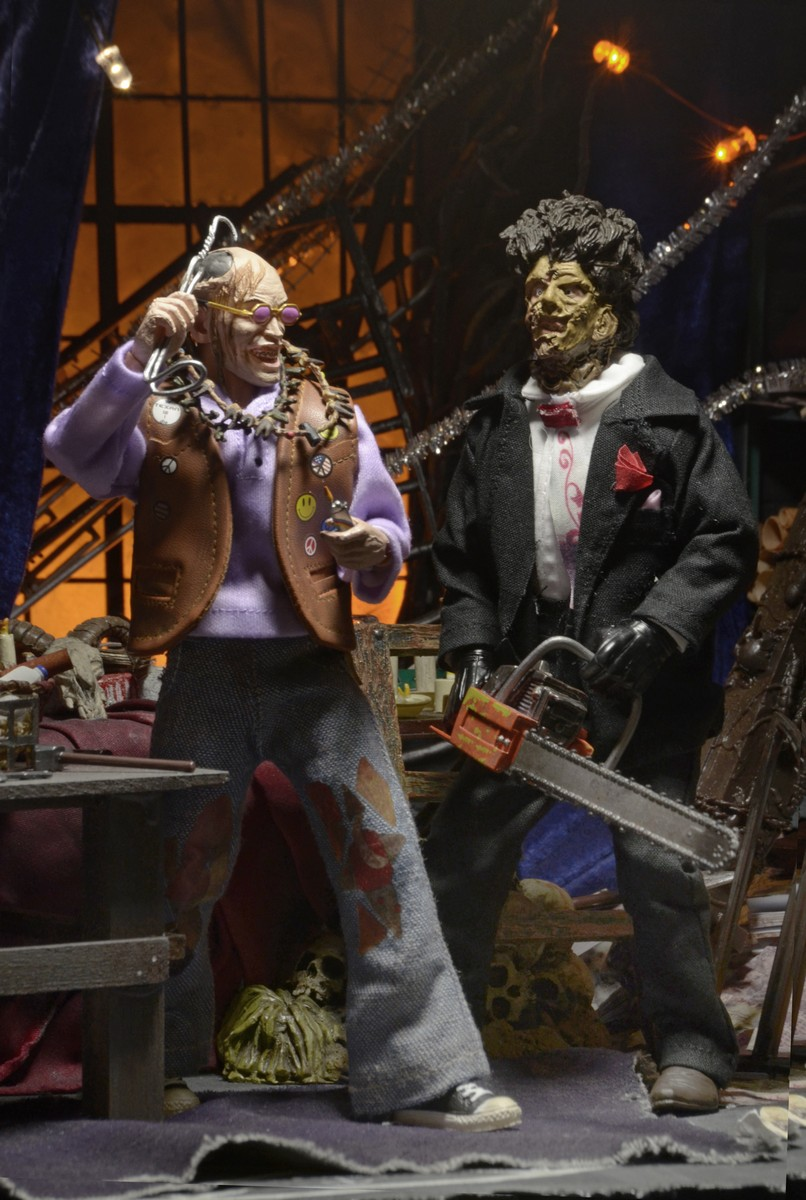 "Closer Look: Texas Chainsaw Massacre 2 Chop Top 8"" Clothed Figure"