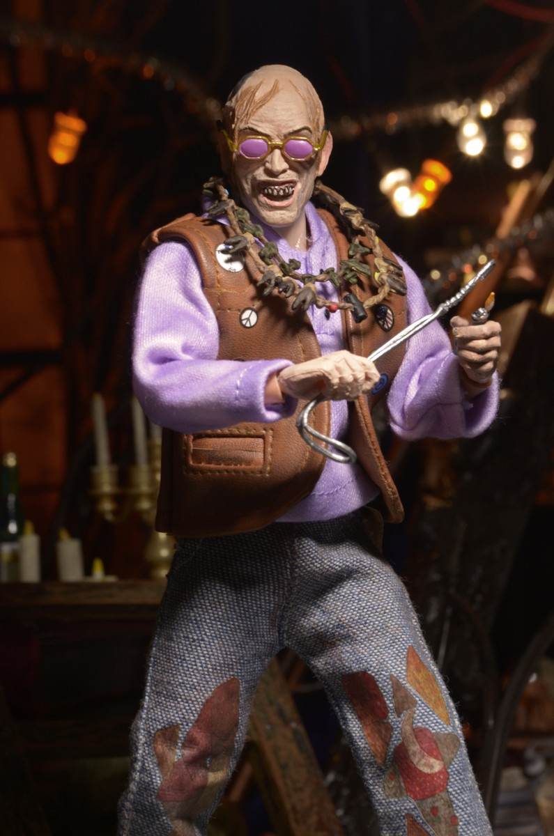 """Closer Look: Texas Chainsaw Massacre 2 Chop Top 8"""" Clothed Figure"""