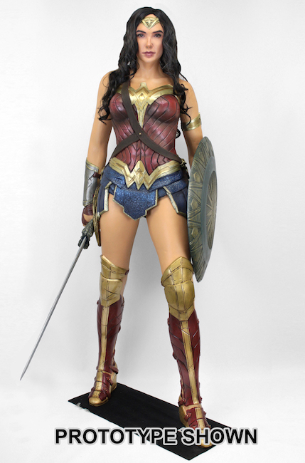 61752_foam_wonderwoman1-650h