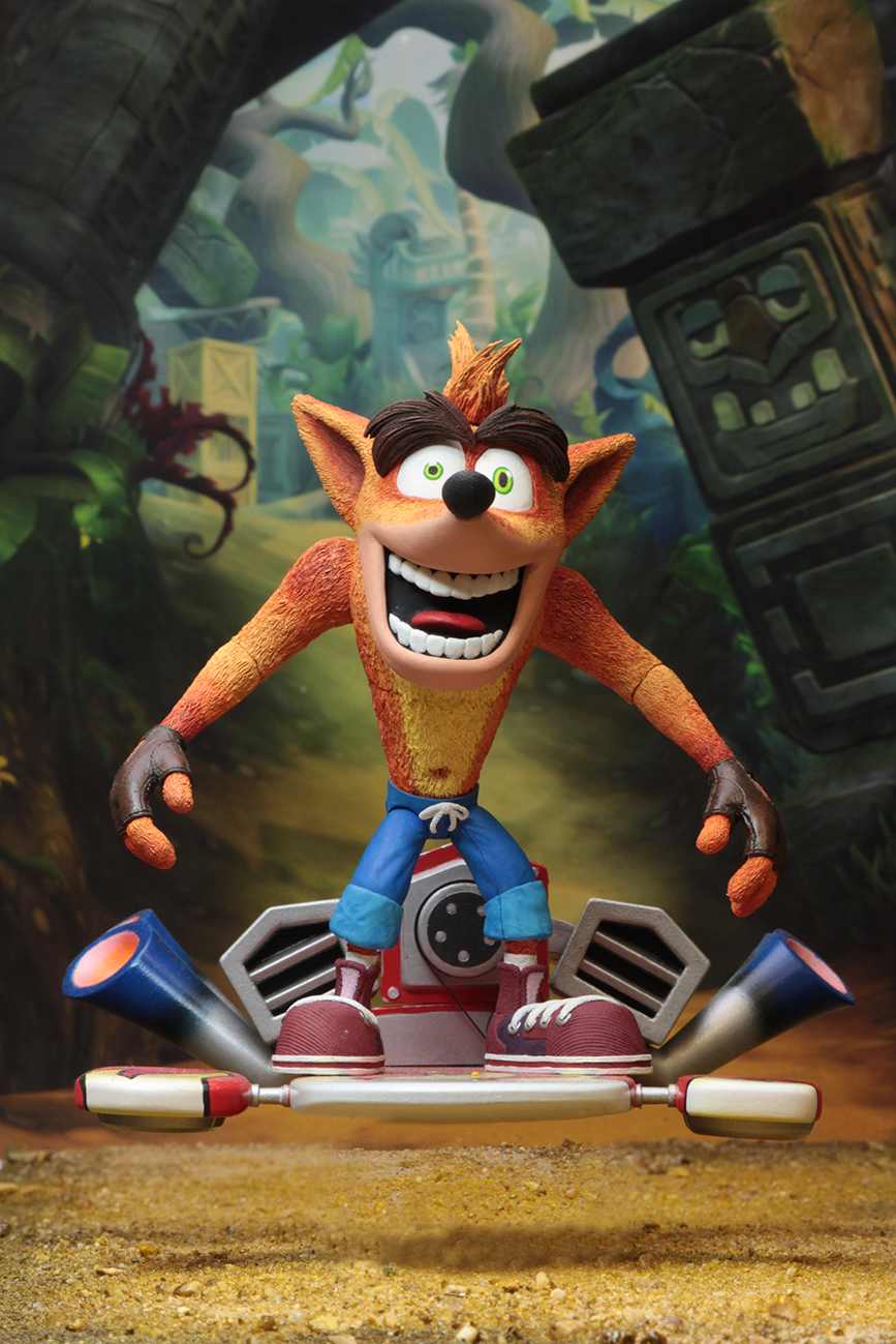 Crash Game Toy : Crash bandicoot scale action figure deluxe
