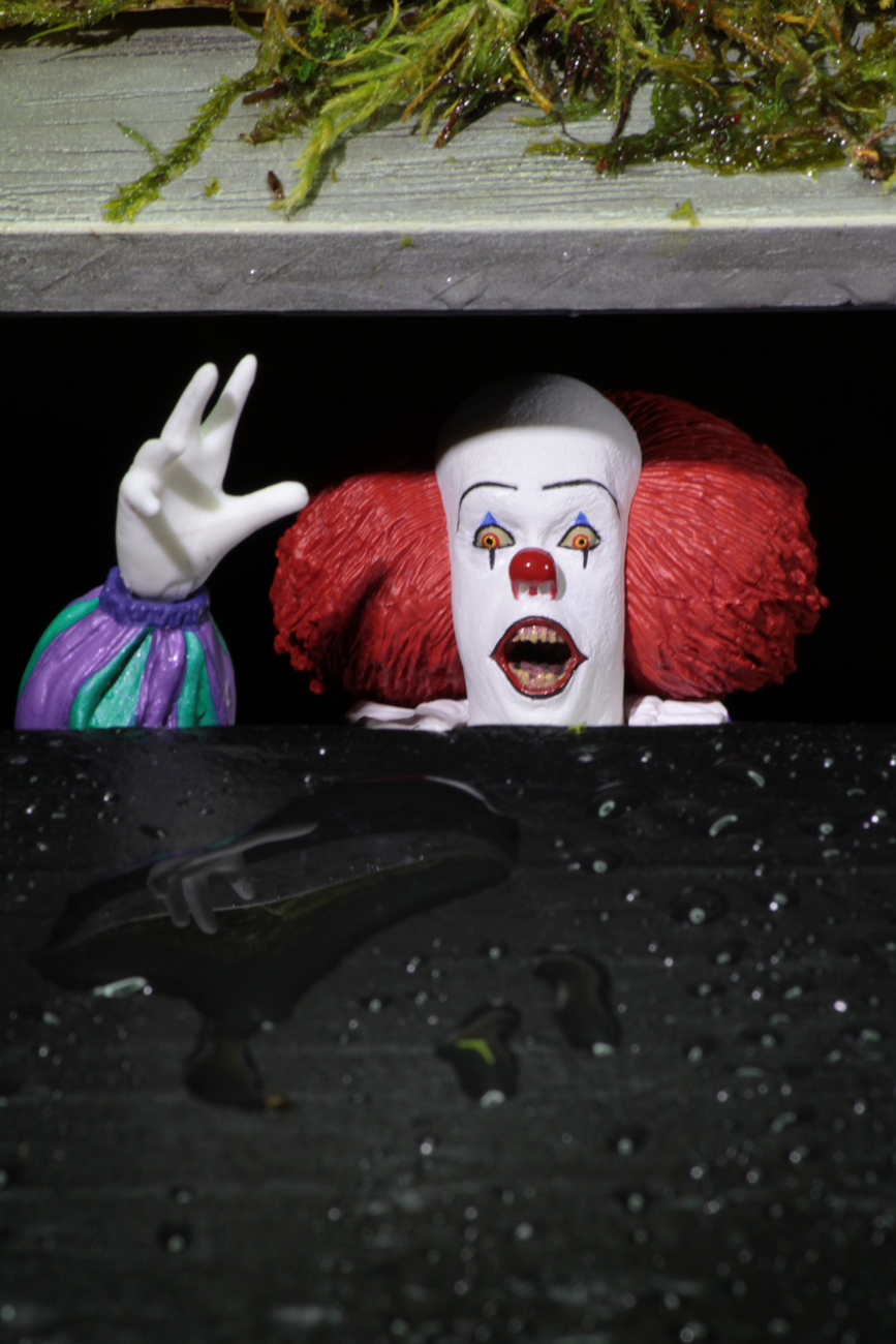 Shipping: Ultimate Pennywise (1990), Nightmare on Elm Street