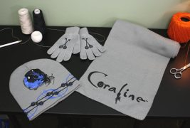 Coraline – Hat, Scarf and Gloves Set – Blue Key