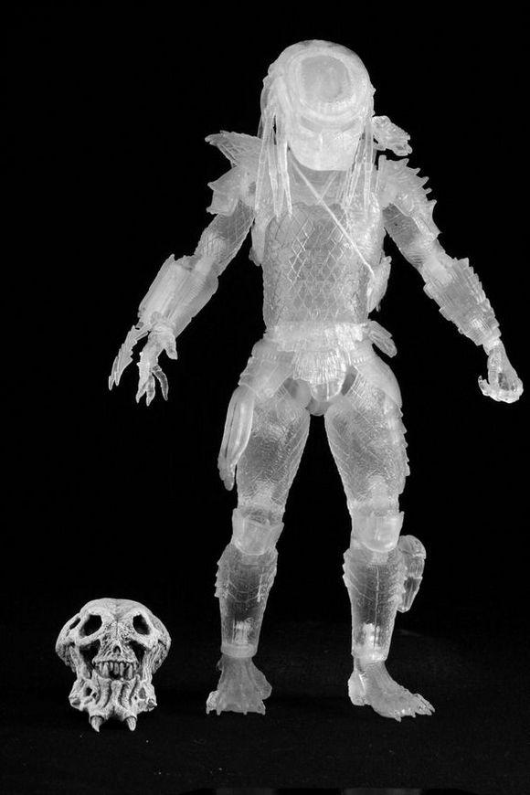 predator-sdcc-2012-cloaked-2a