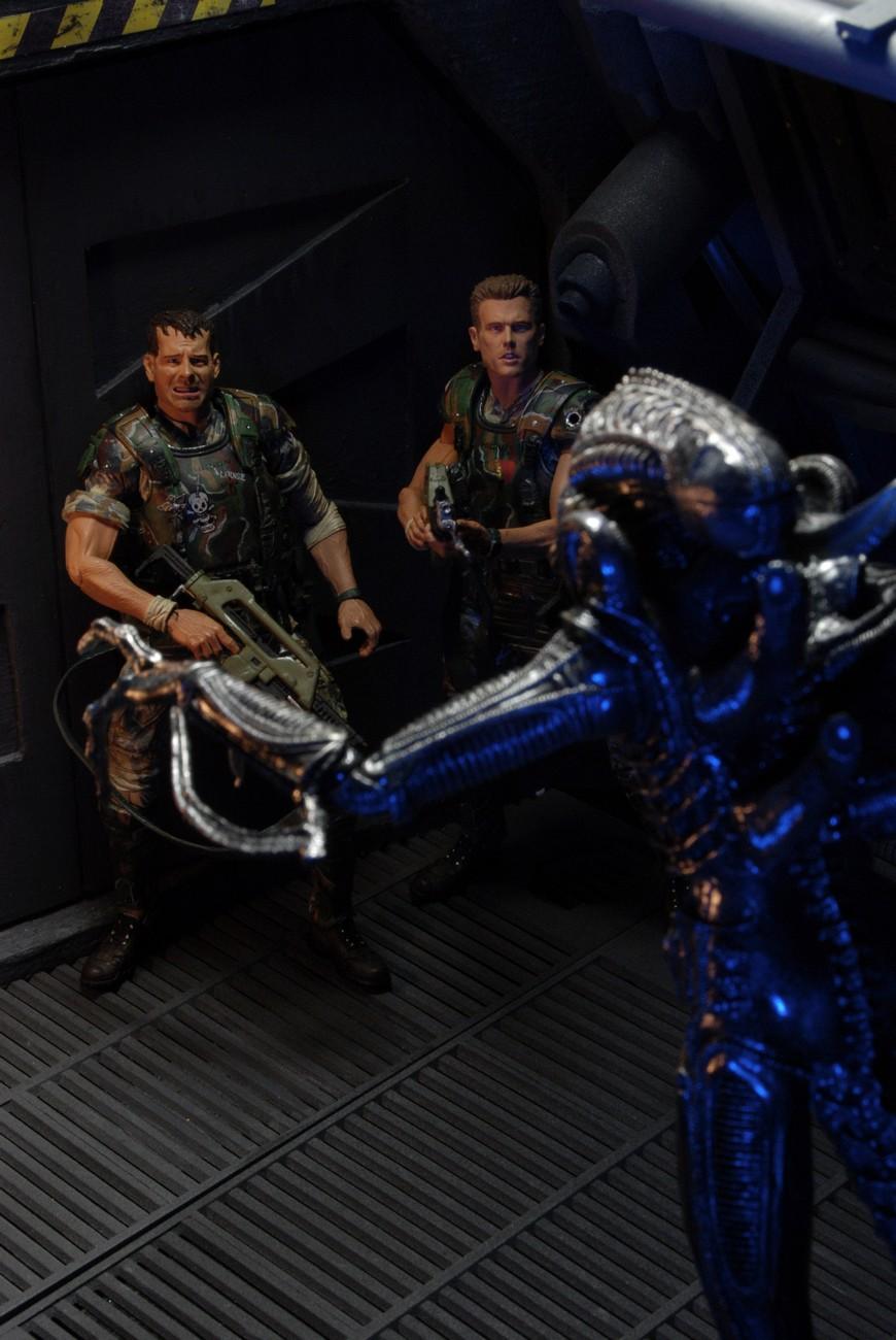 51387-Aliens-S1-Stylized-8