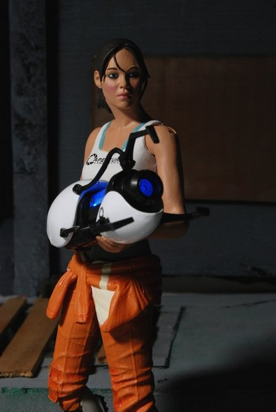 chell-action-figure-web2
