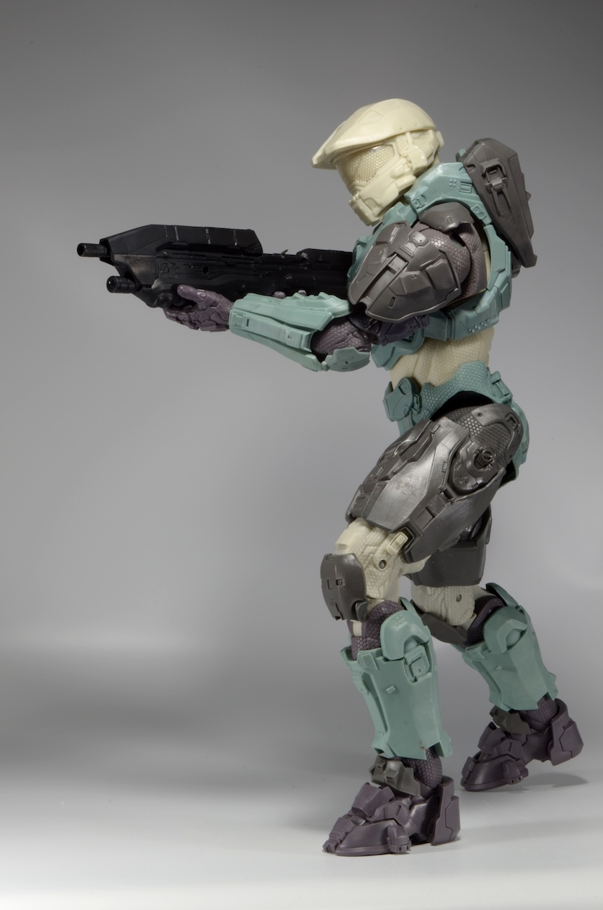 Behind the Scenes: Halo Master Chief 18″ Action Figure ...