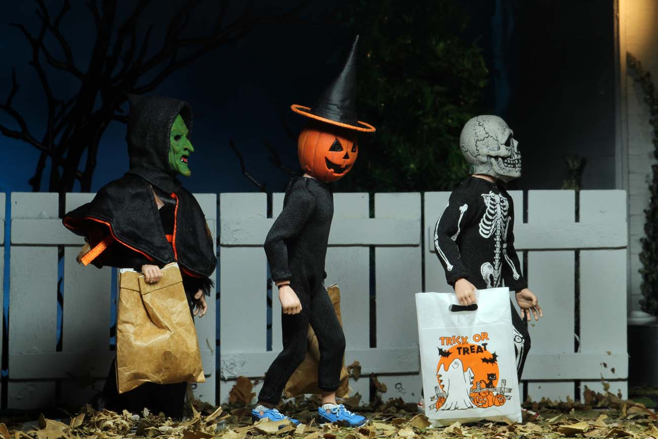"""Halloween 2020 Season Of The Witch Halloween 3: Season of the Witch – 8"""" Scale Clothed Action Figure"""